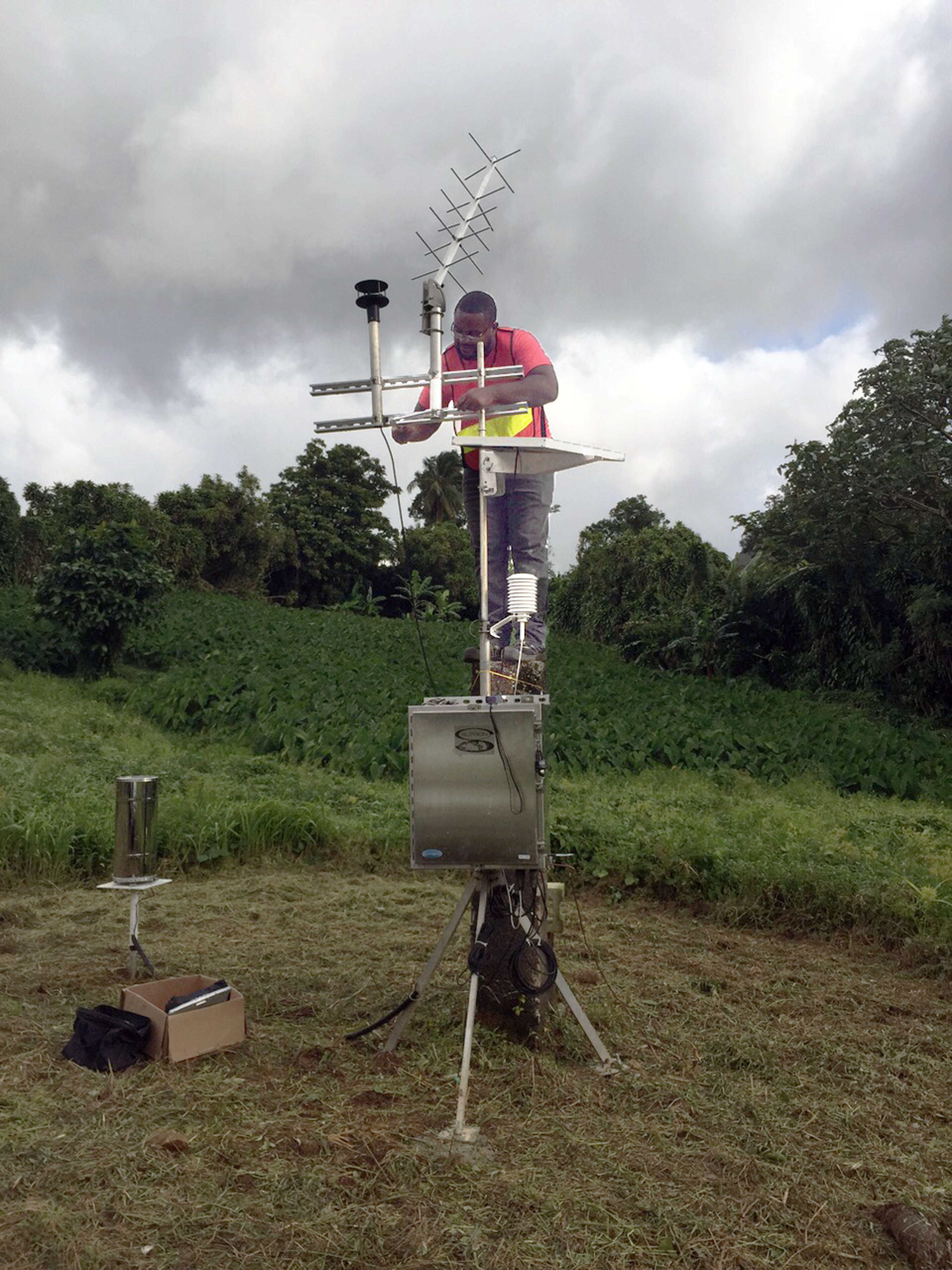 Portable Automatic Weather Stations (AWS) | Sutron Corporation
